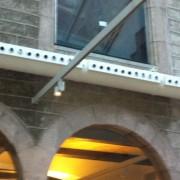 Instalación de conducto circular aire acondicionado impulsado por toberas